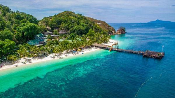 Jetty And Resorts At Rawa Island