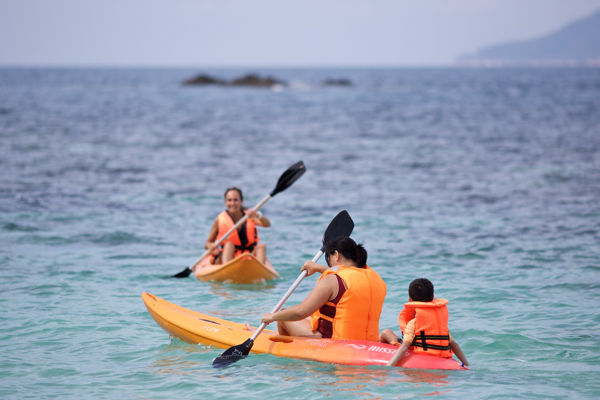 Kayaking At Rawa Island
