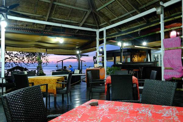 On-site Restaurant At Melina Beach Resort
