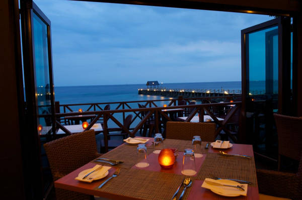 Pawana Restaurant At Tunamaya Beach & Spa Resort