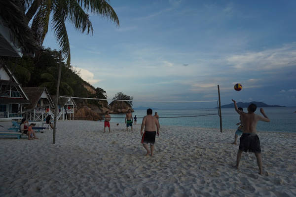 Playing Beach Volleyball at Rawa Island
