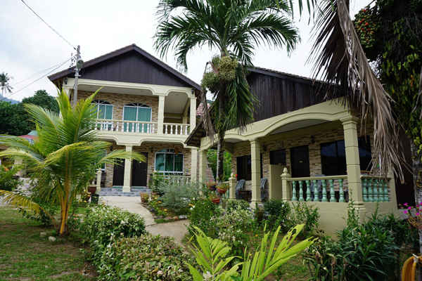 Tioman House Bungalows At Air Batang Tioman